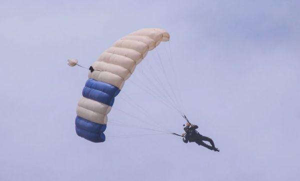 descente en parachute